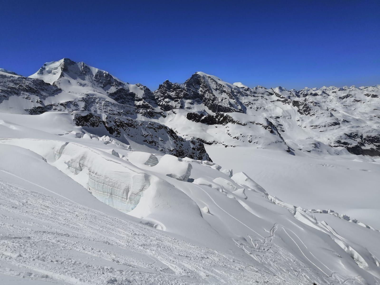 La vista alle nostre spalle, Bernina e Biancograt