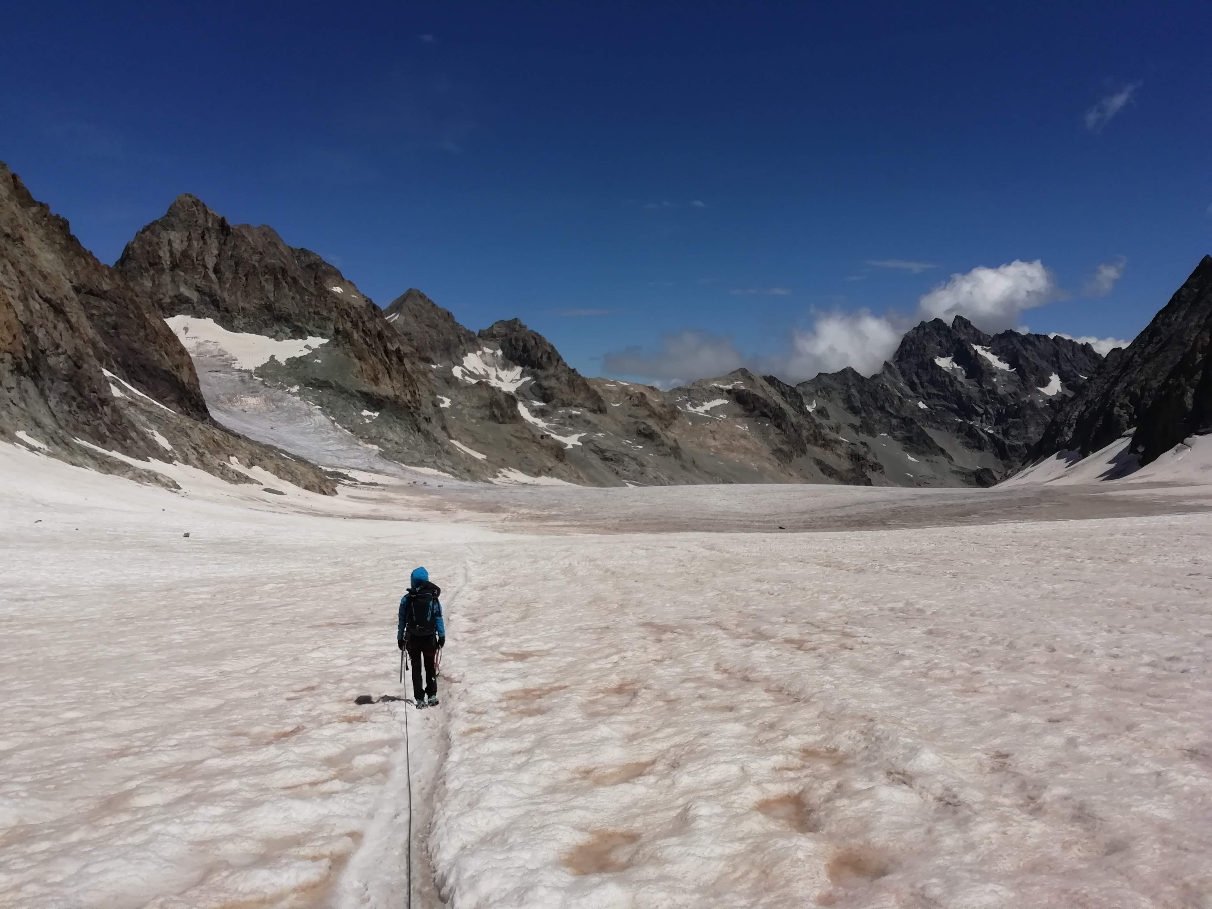 Chiara sulla parte terminale del ghiacciaio.