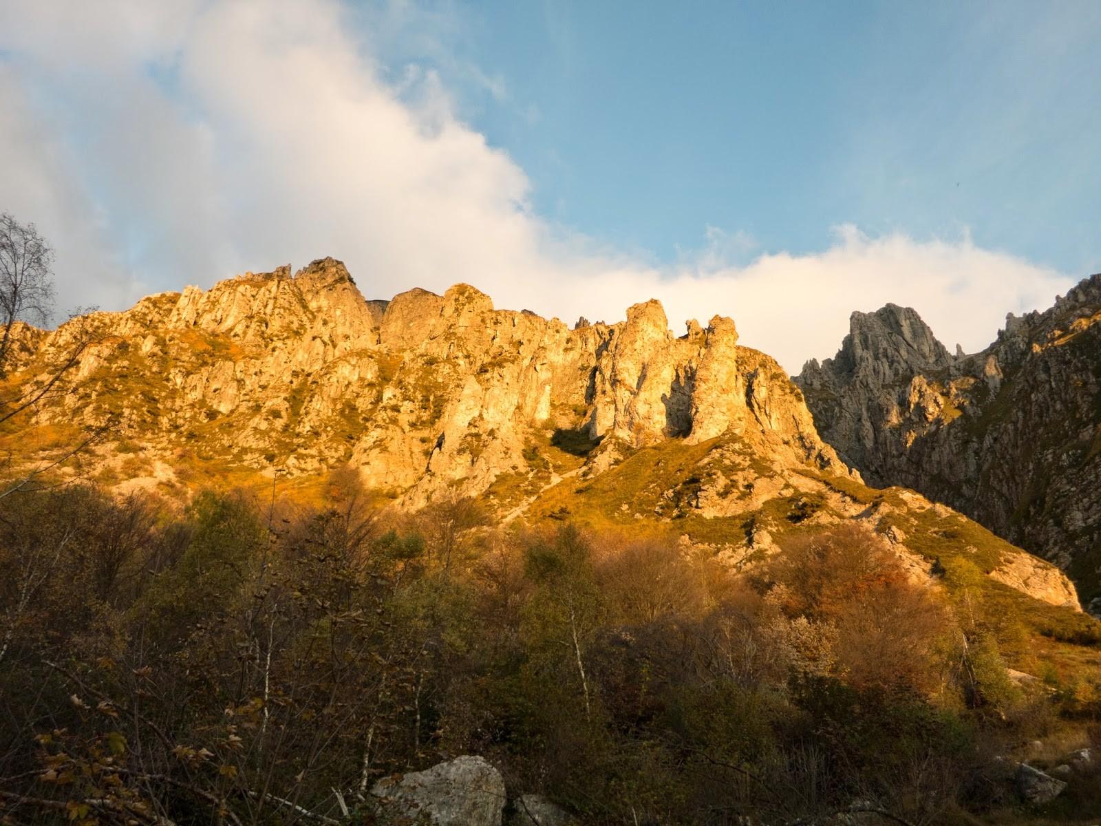 Via Gandin (V+/IV+, A0), Via Lecco (IV, IV+) Magnaghi Centrale, Settentrionale – Grigna