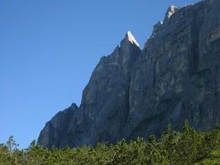 Dimai Punta Fiames (2240 m), Spigolo Sud Punta Alpini (2380 m)