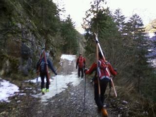 Arrosto di scialpinista in salsa di neve marcia e contorno di sassi