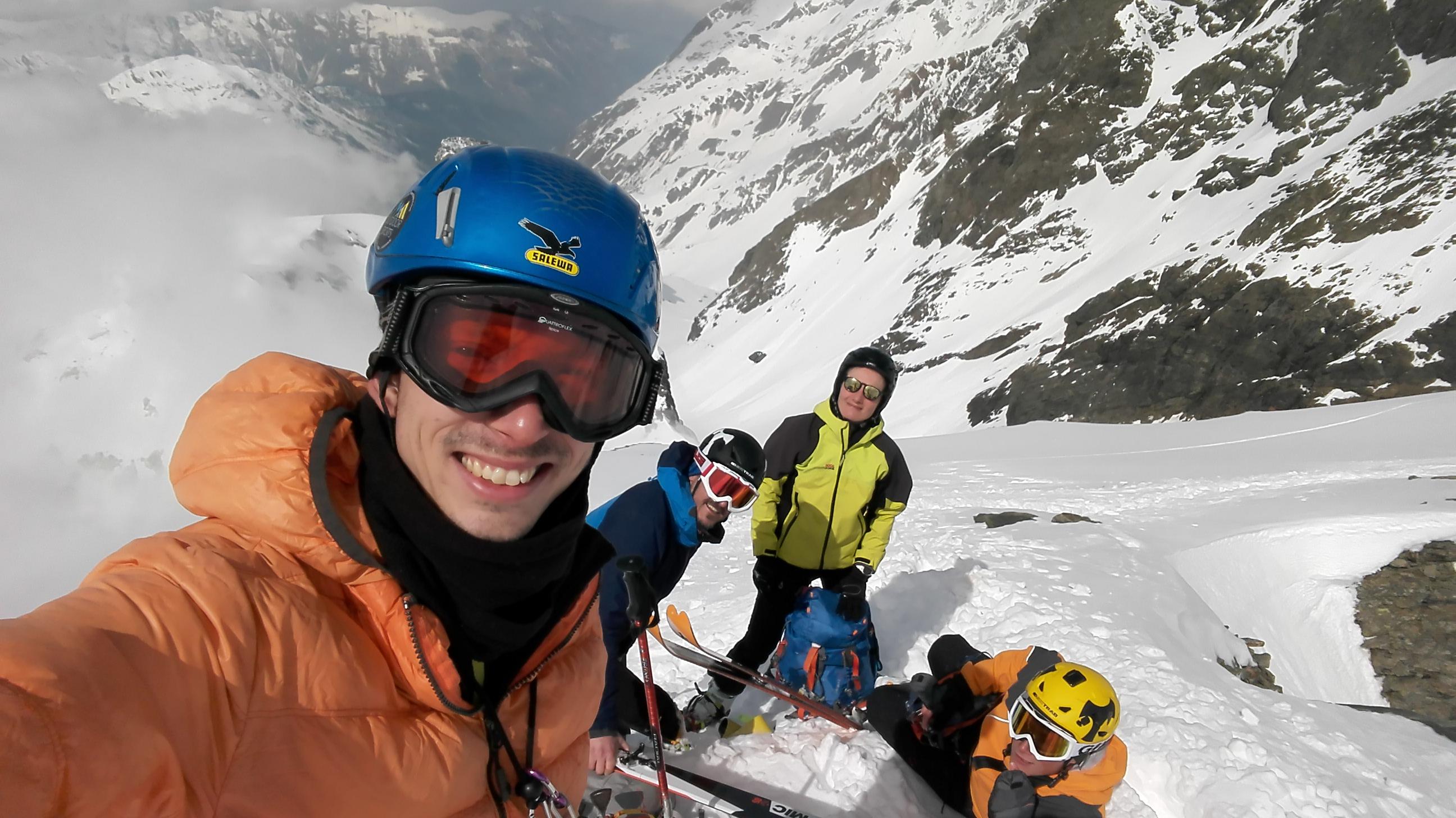 Da Sx: Francesco, Nando, Chiara e Lorenzo Skimo team in vetta al completo