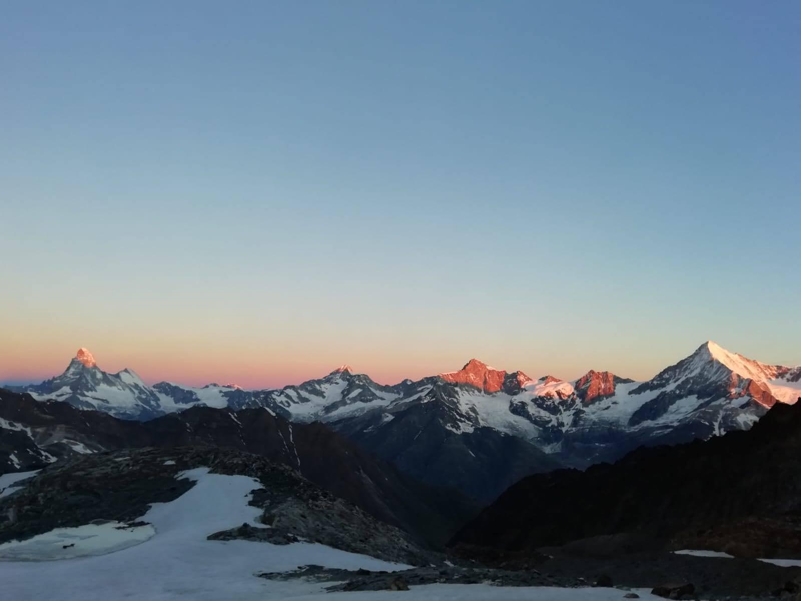 Spettacolare alba sul Cervino