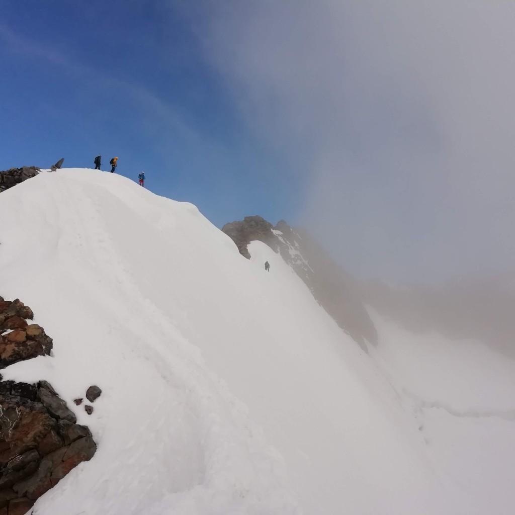 Intravediamo la cima svizzera