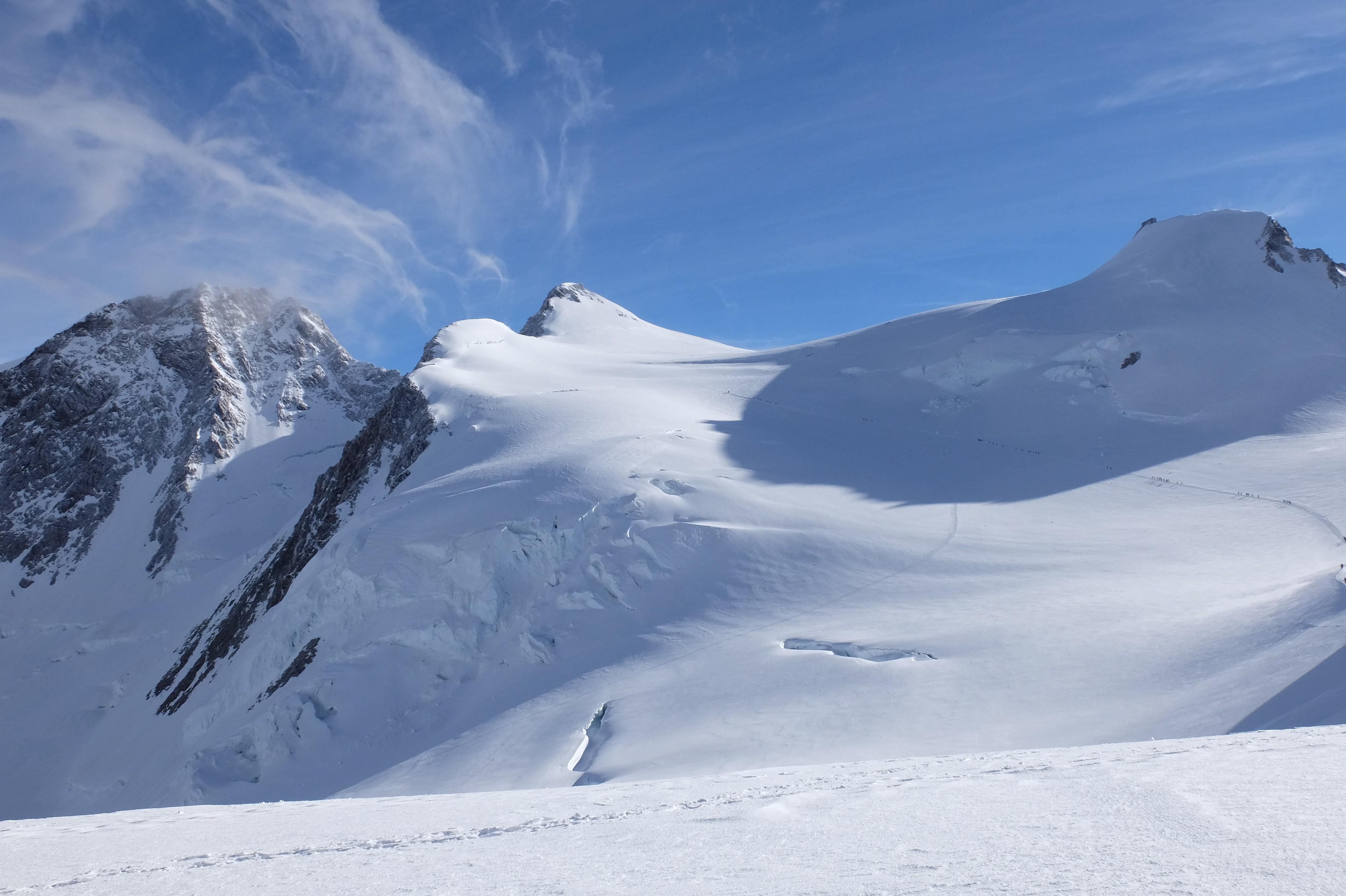 Punta Gnifetti  (4554m) e Punta Zumstein (4563m). Monte Rosa finalmente archiviato