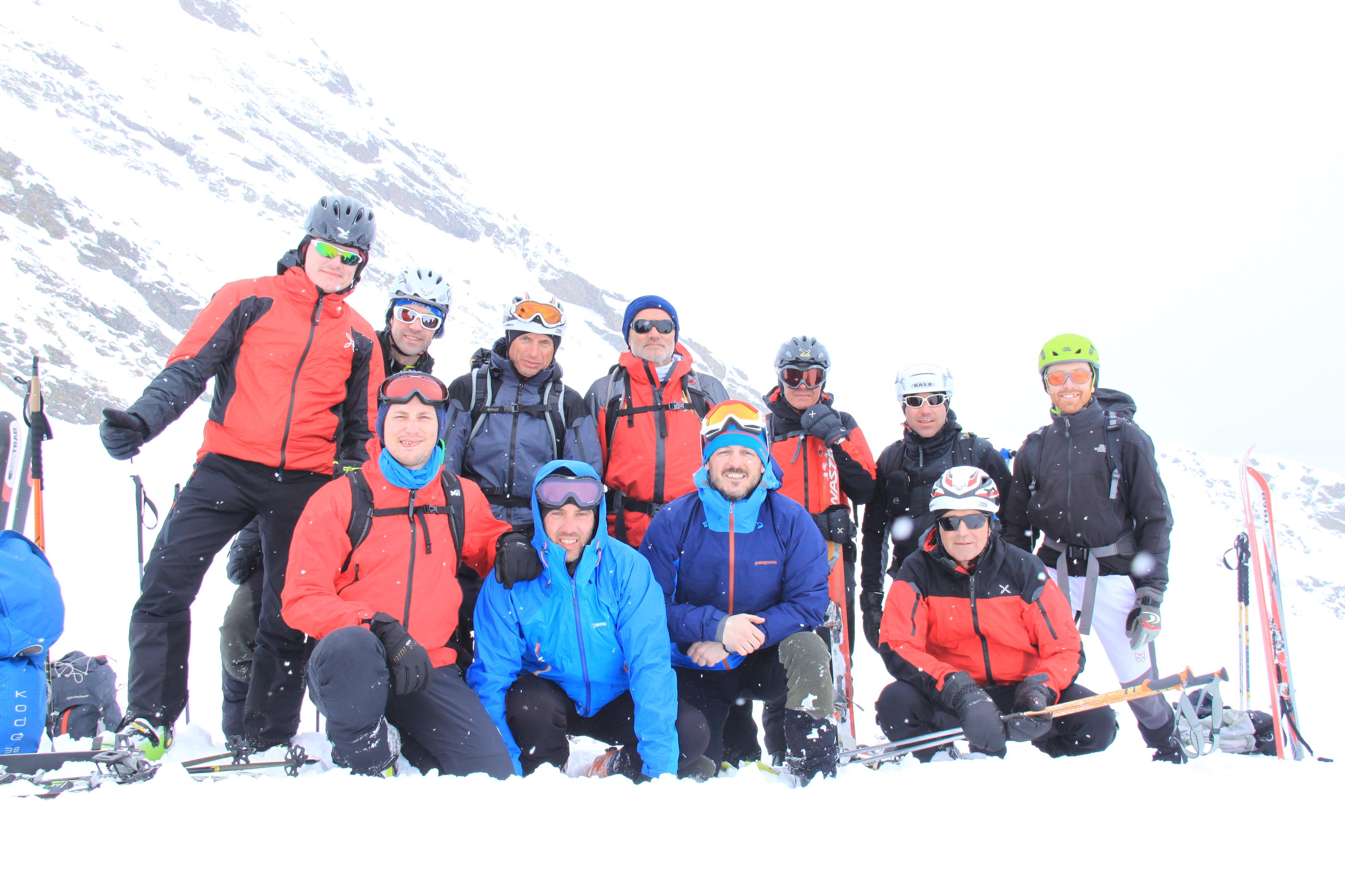 Tentativo a Monte Le Pozze (2894 m). Sciatina di Scialpinista in crosta di Neve